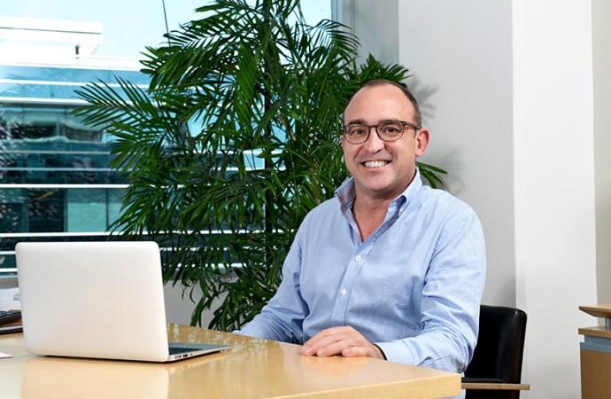 Gurú nombró a Juan Santana como nuevo CEO