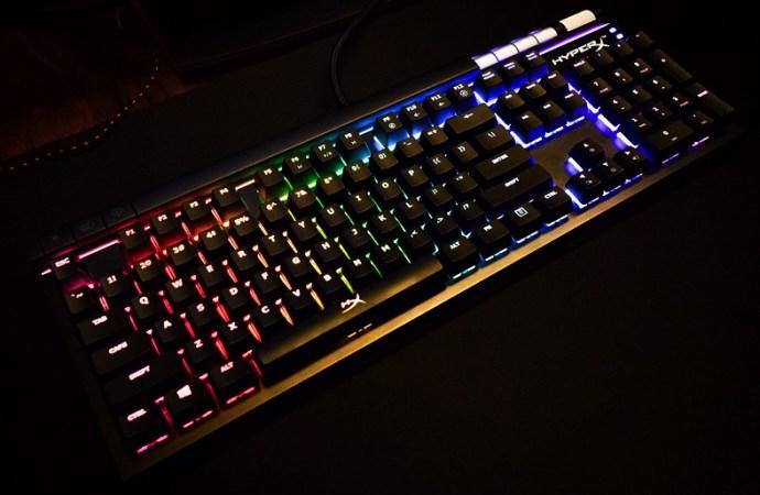 HyperX presentó el teclado «HyperX Alloy Elite»
