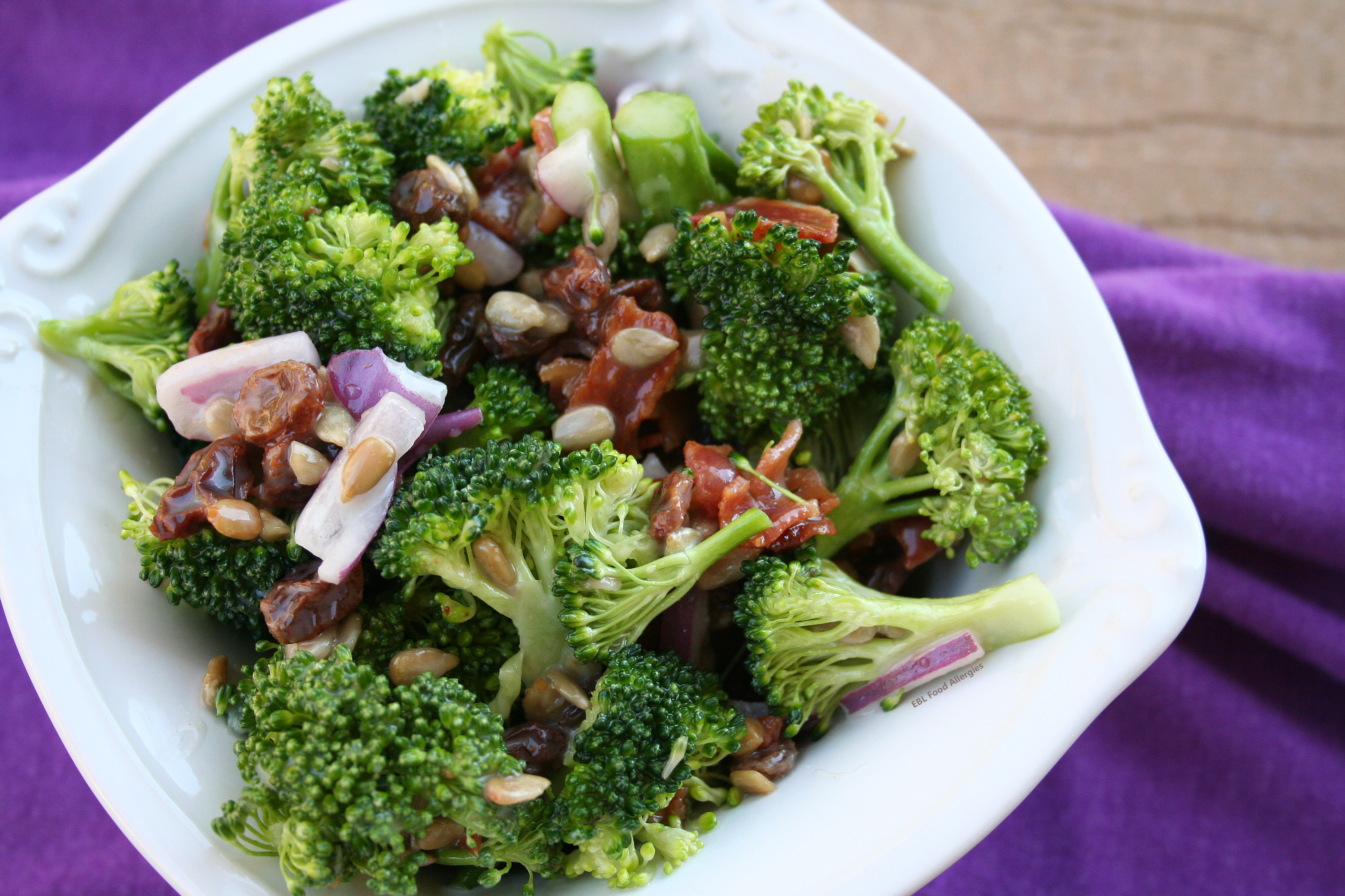The BEST Easy Broccoli Salad