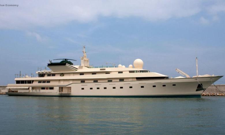 eBlue_economy_ Nabila_the Shamelessly Outrageous Benetti Superyacht That Wrote History