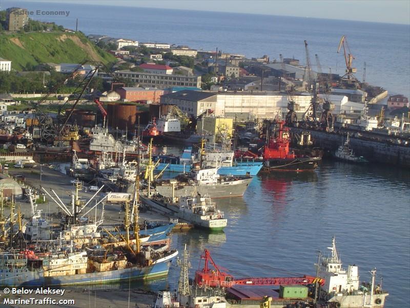 eBlue_economy_port of Korsakov_ Russia