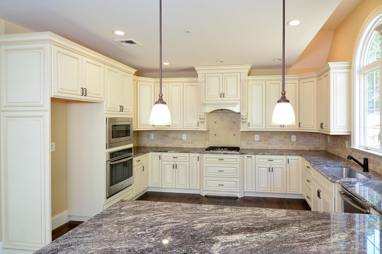 1280 Cedar Grove Rd Media PA-large-015-Kitchen-1500×1000-72dpi