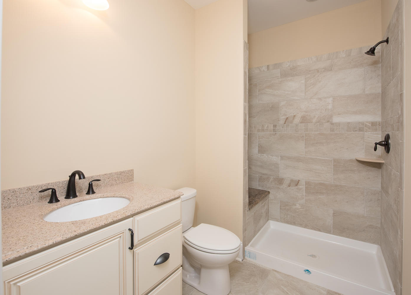 3402 Lewis Rd Newtown Square-large-021-Bathroom-1395×1000-72dpi