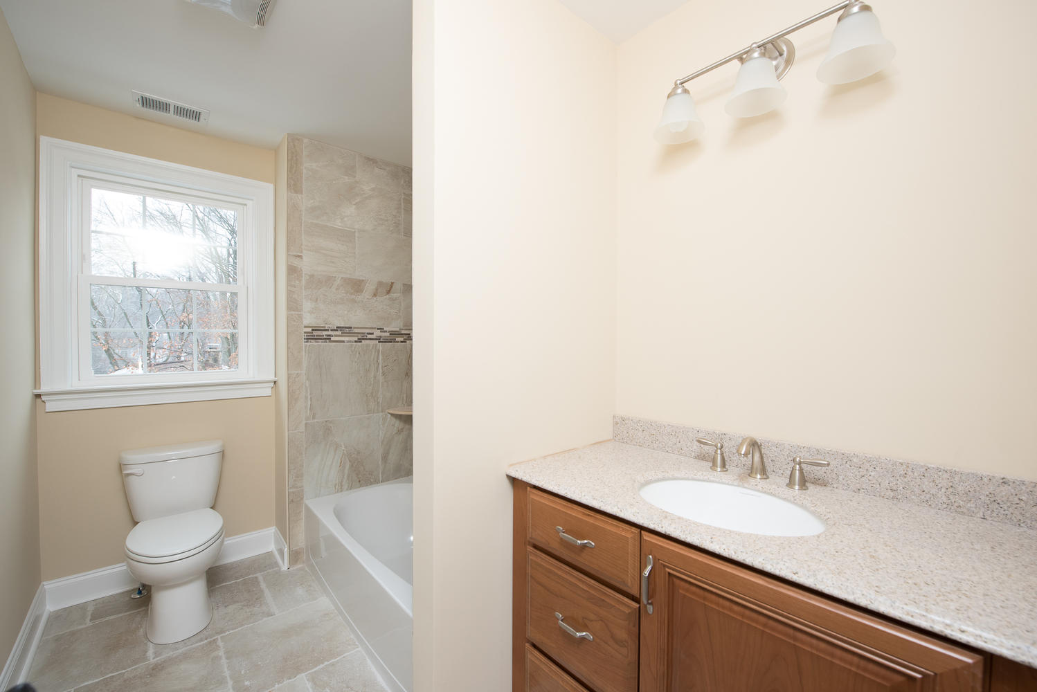 3402 Lewis Rd Newtown Square-large-029-Bathroom-1499×1000-72dpi