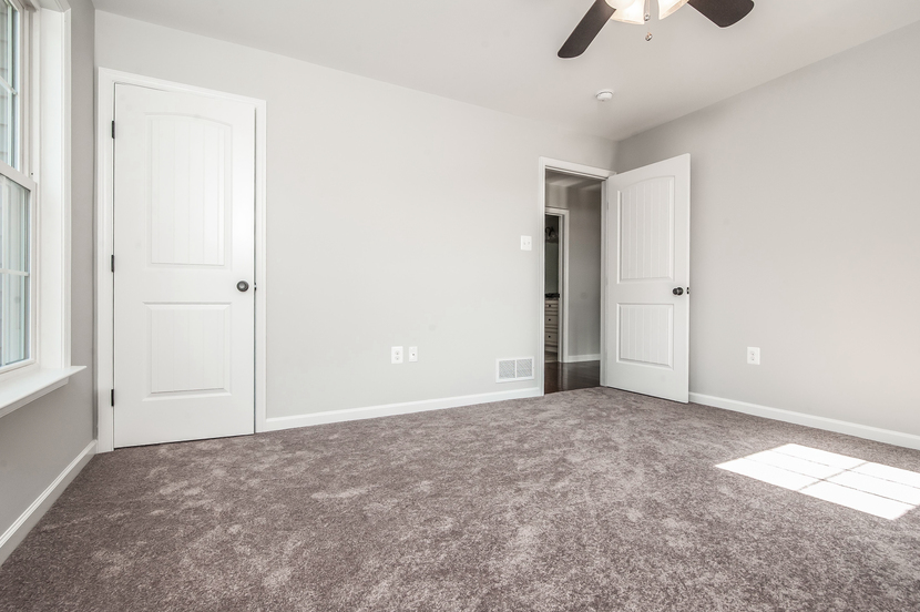 028-Bedroom-2076903-small