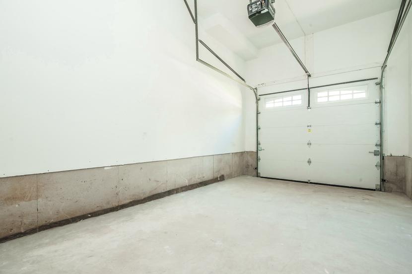 040-Garage-2076878-small