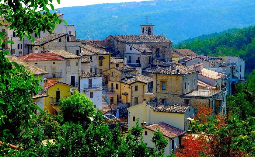 Per le vie del Borgo: Abbateggio (PE)