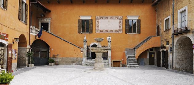 Pettorano sul Gizio Piazza Rosario Zannelli