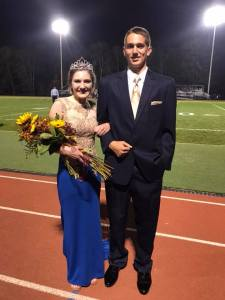 Senior Kendra Smithbauer crowned 2017 ECCHS Homecoming Queen