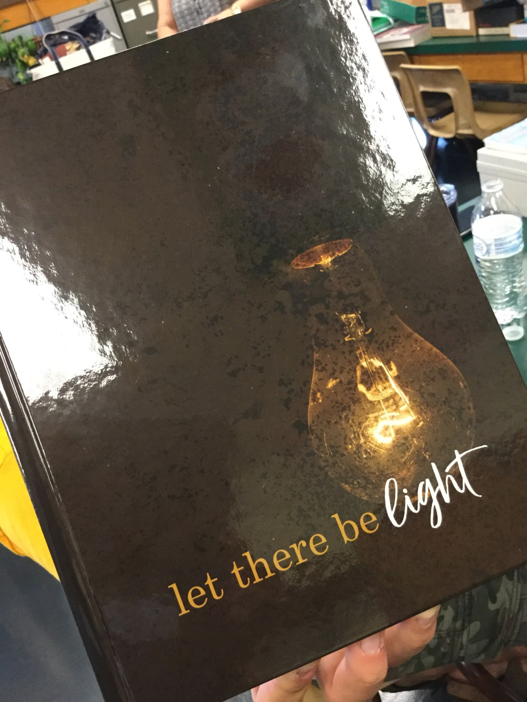 2017-2018 ECCHS yearbooks are in!