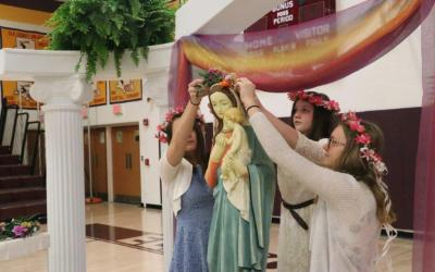 ECCSS holds May Crowning ceremonies