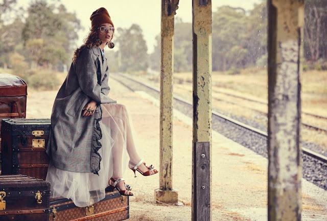 Vogue_Australia-March_2016-Ondria_Hardin-by-Will_Davidson-01