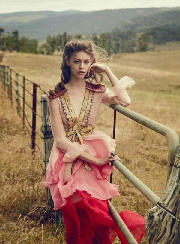 Vogue_Australia-March_2016-Ondria_Hardin-by-Will_Davidson-14-640x866