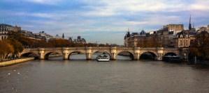Pont neuf sur la Seine à Paris