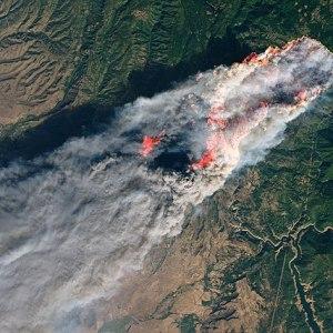 By NASA (Joshua Stevens) - NASA Landsat 8 Operational Land Imager https://eoimages.gsfc.nasa.gov/images/imagerecords/144000/144225/campfire_oli_2018312_crop_lrg.jpg; https://landsat.visibleearth.nasa.gov//view.php?id=144225, Public Domain, https://commons.wikimedia.org/w/index.php?curid=74269291