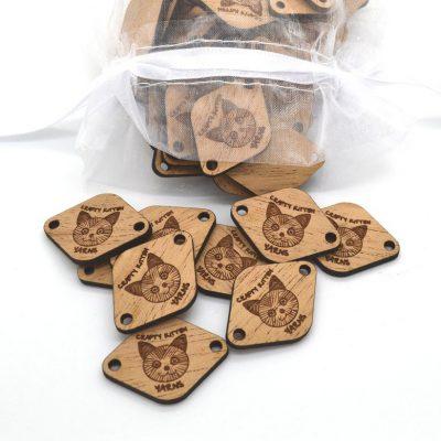 tag di legno personalizzati