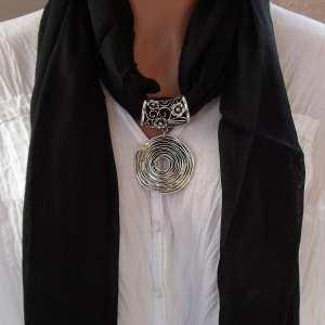 Bijou pour foulard Graphik