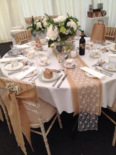 LACY TABLES