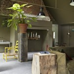 Earthy chalky colors in a Netherland's home