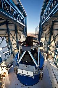 32 The VLT Survey Telescope (120 x 78,7 cm) €50
