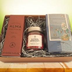 New Mom - Box mit ALMA Baby Öl, LIEBES EDITION Zuckerl und Sonnentor Entspannungstee