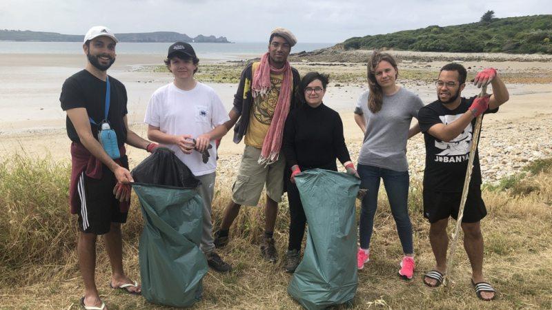 «D'une mer à l'autre» – Jours 3 et 4 : Tour de la presqu'île et nettoyage de plage