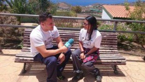 Aythami entrevistando a Johanna