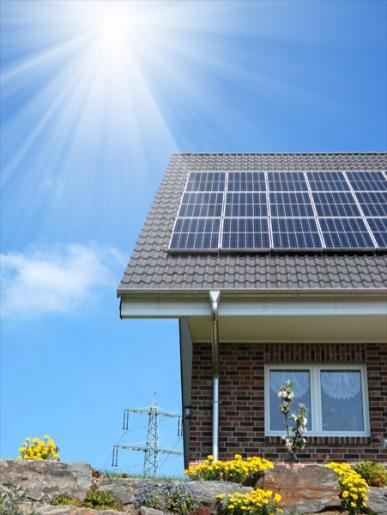 Residencia com Paineis Fotovoltaicos