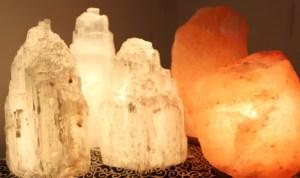 10875-lampes-de-sel-et-selenite