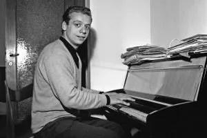 Johnny Dorelli Piano