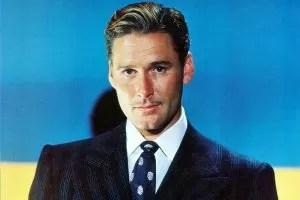 Errol Flynn sfondo blu