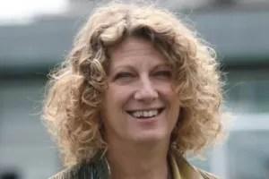 Angela Finocchiaro sorriso