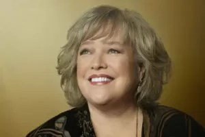 Kathy Bates sorriso