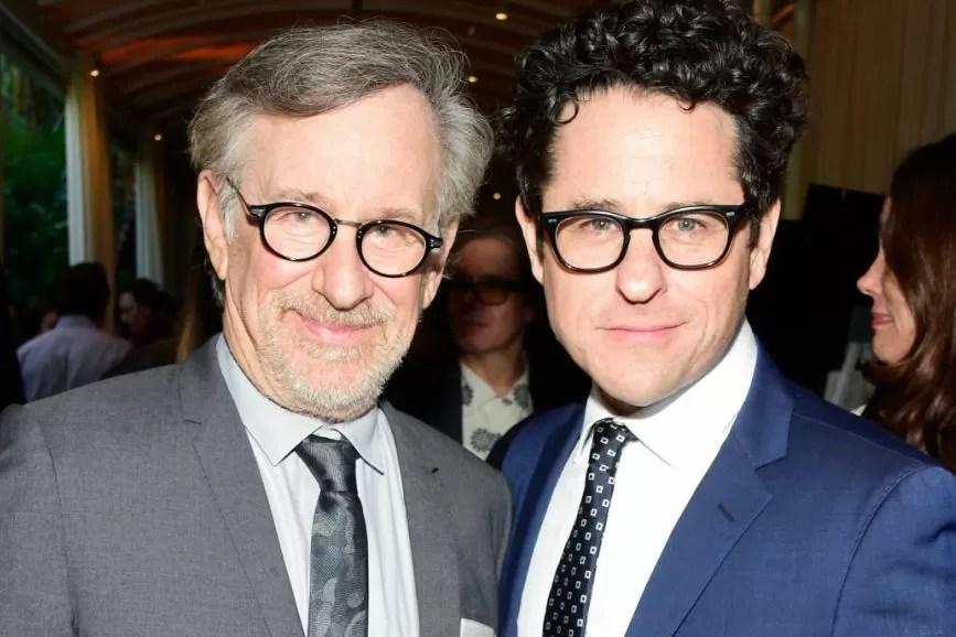 Steven Spielberg e J.J. Abrams eleganti