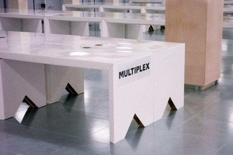 multiplex-sustainable-office-environment-green-cardboard-eco360-desk