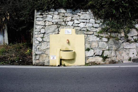 Finale Ligure fontana della ruggetta