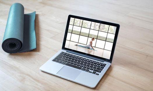 lezioni-yoga-online-casa-yoga-@-home-essere-benessere-alassio-free-gratuito-insegno-lucia-ragazzi-