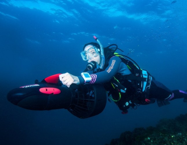 dpv diving