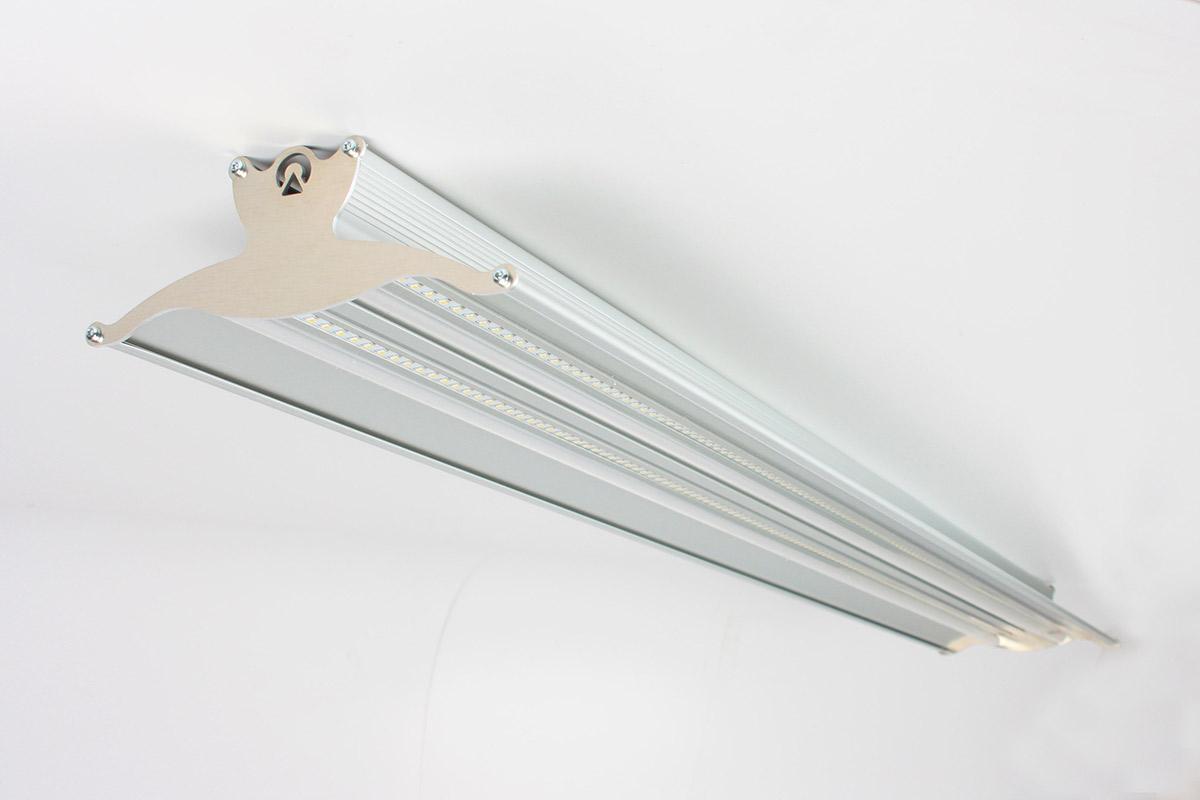 Plafoniere Neon Industriali Prezzi : Plafoniere a led lineari per soffitto di diverse dimensioni