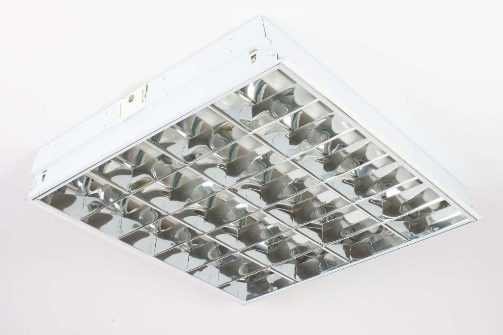Plafoniere Neon Industriali Prezzi : Dismissione lampade usate: quadrotti 60x60 cm neon 4x18w