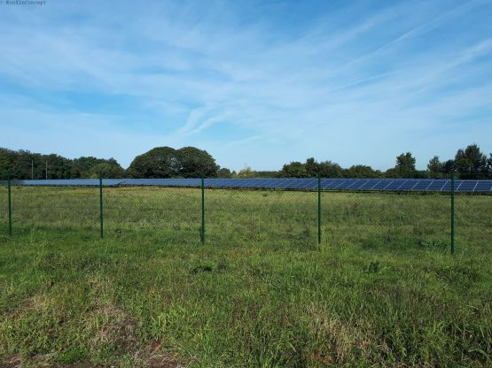 749 kWp Solarpark Symbolbild ©EcofinConcept