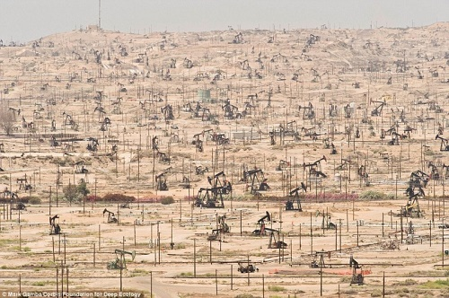 Not saving the planet for the future - California oilfield