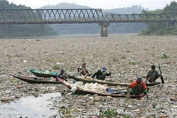 solution to plastic waste in rivers