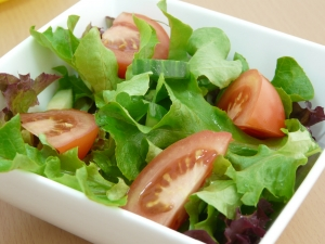healthy vegetables n a side salad - is raw food safe?