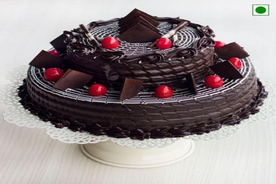 multi tier cake