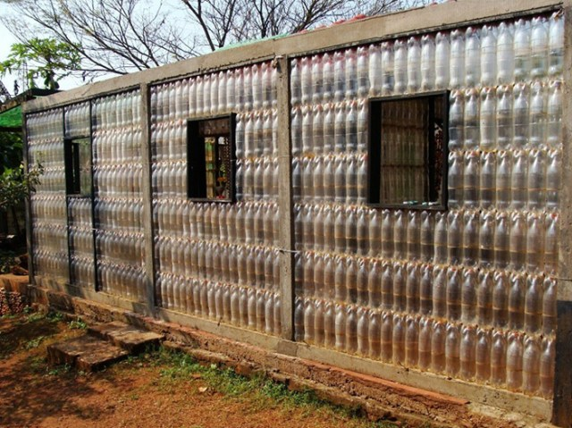 plastic-houses
