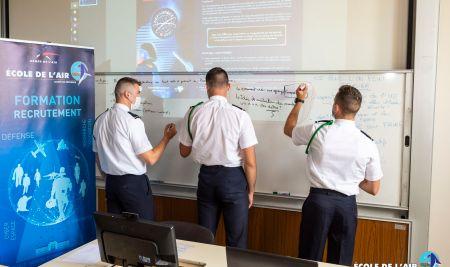 L'École de l'air finaliste du Hackathon DefInSpace 2021