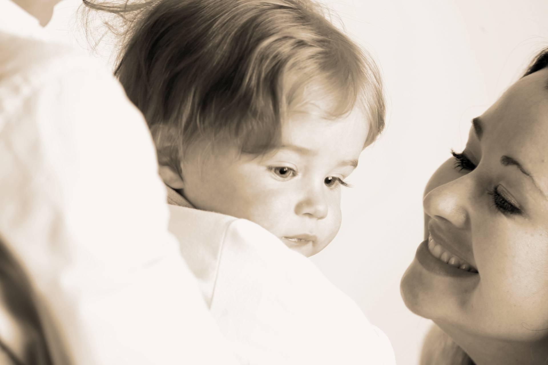 Le chant de la mère sur son bébé