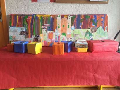 La table de partage pour les enfants de Cusco
