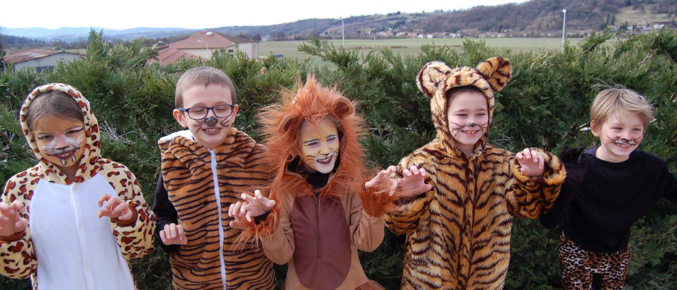 Défilé du Carnaval à l'école privée Les Abeilles